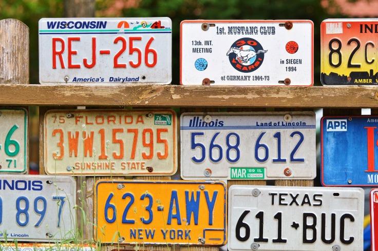 license-plate-2438210_1920